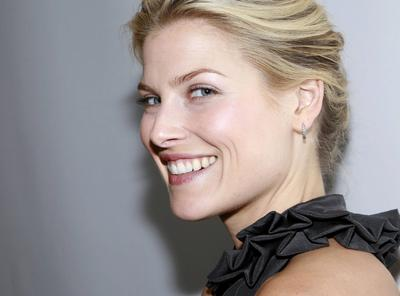 Female Celebrities - Ali Larter 0050