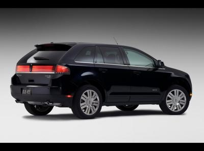 Lincoln MKX Side